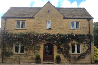 Front view of Mole End Bed & Breakfast in Stow on the Wold